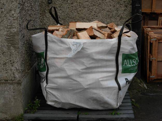 Quality Air and Kiln Dried Logs Bournemouth